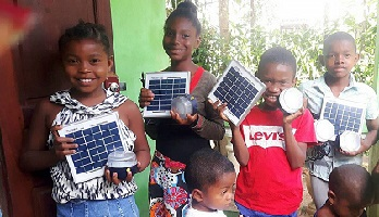 Madagascar lampes solaires Soltys