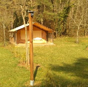 Borne haute eclairage solaire camping